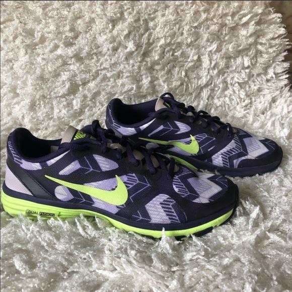 Nike Shoes - 6.5 Nike Dual Fusion TR Print